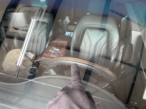 マセラティのフロントガラス修理は16,500円
