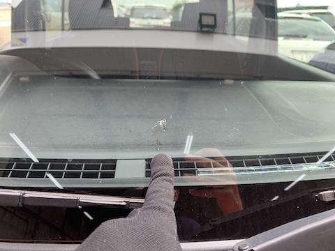 ハスラーのフロントガラス割れ被害続出!交換しないで修理は可能!