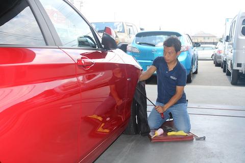 BMWのヘコミ修理がたったの8,000円〜で直ります!