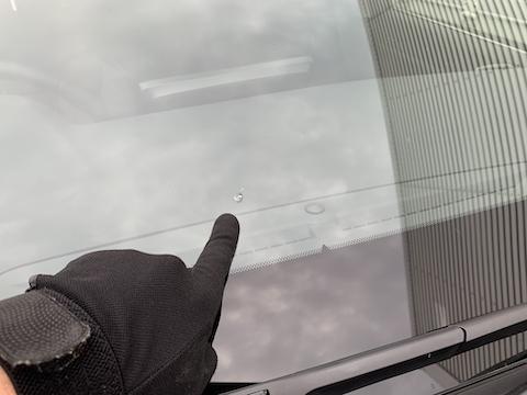 フロントガラスの端についたひび割れ修理も可能!