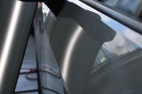 アウディ ドアのヘコミ修理、修理跡ない査定額下げない方法