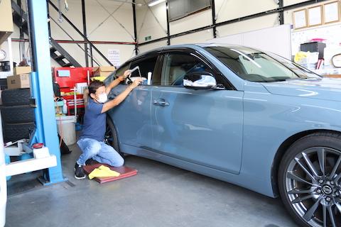 新車のヘコミを塗装なしで新車レベルに戻す技!