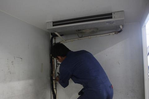 ミニキャブ 冷凍庫 修理