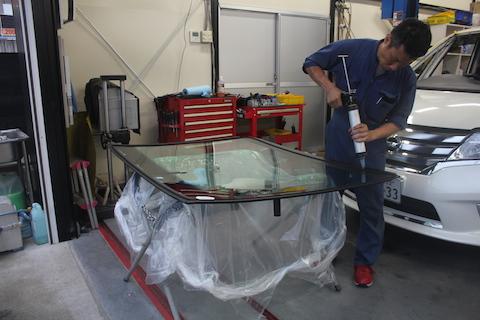 フロントガラス 飛び石 交換 輸入ガラス