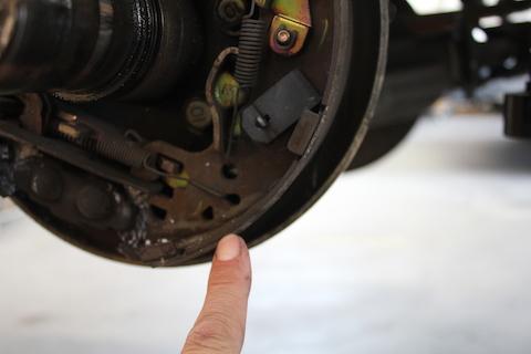 タイタン ブレーキシュー 交換 ドラムブレーキ オーバーホール