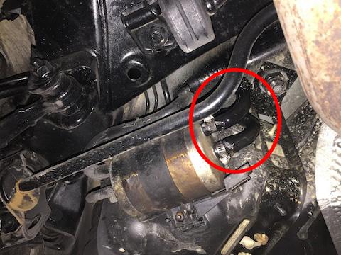ベンツ C200 燃料漏れ