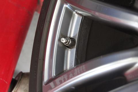 マセラティ タイヤ交換