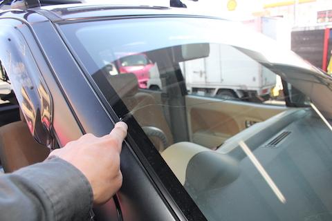 モコ フロントガラス 交換 飛び石 修理