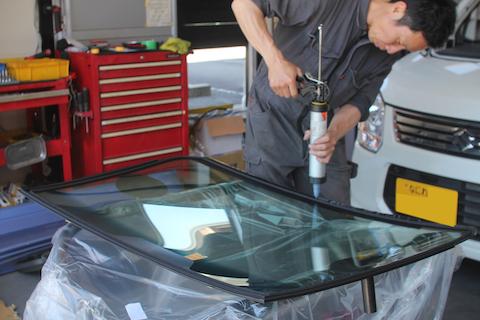 ワゴンR フロントガラス 飛び石 修理 交換