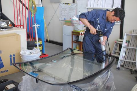 ノア フロントガラス 飛び石 修理 交換 コートテクト