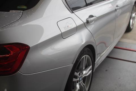 BMW 320d リアクォーター 板金・塗装