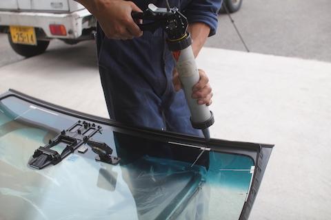 フィット ハイブリッド フロントガラス 交換 ブレーキサポート