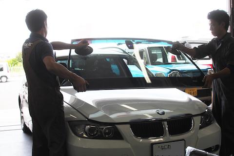 BMW フロントガラス 交換 断熱