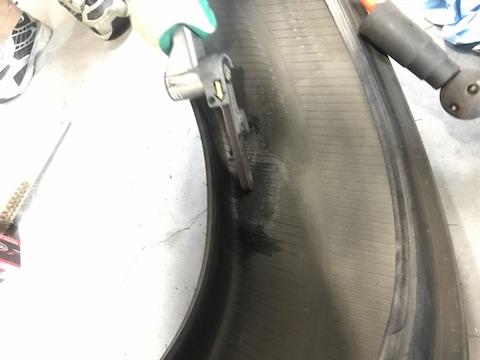マークX タイヤ パンク 修理 内側