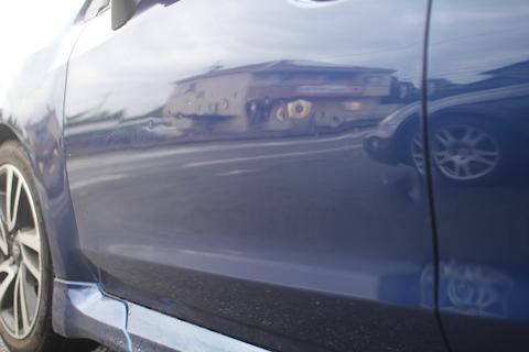 レボーグ ドア 板金・塗装 ヘコミ 修理