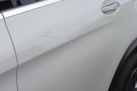 ベンツ GLC200 ドア ヘコミ 板金・塗装