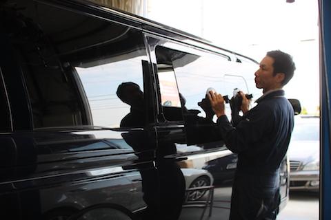 ハイエース スライドドア 小窓 ガラス 交換