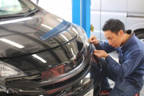 大阪でカーラッピング専門施工士が対応します!