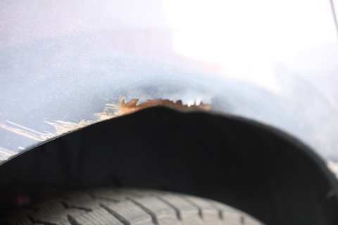車にできた傷・ヘコミ・サビの修理もお任せください!