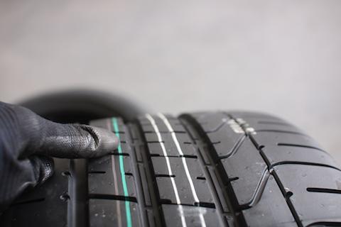 マセラティの専用タイヤをお得に交換!