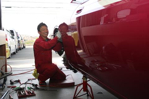 愛車の凹み修理のおすすめは、やっぱりデントリペア!