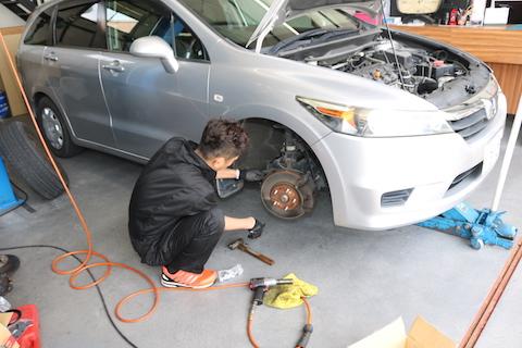 大阪のデントスマイル 、車検・整備と板金・塗装を一緒にお受け致します!