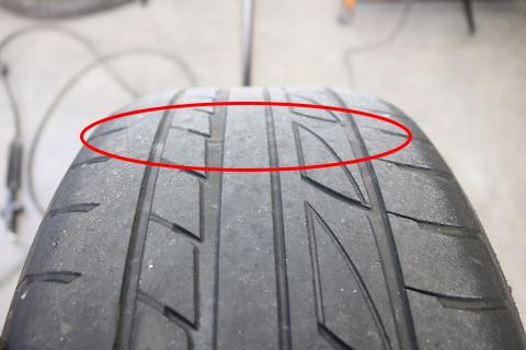 タイヤ交換、日本や海外製のブランド問わずご用意いたします