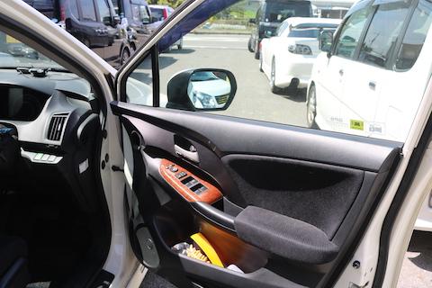 大阪で車の中古部品をうまく使って費用を削減!