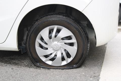 タイヤのパンク修理・交換もお任せください!