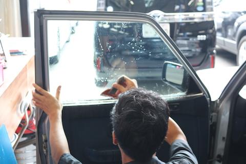 旧車の室内インテリアを守るカーフィルム!