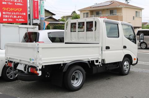 トヨタの新車販売。ダイナダブルキャブの納車!特装もお任せ下さい。