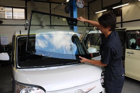 車の衝突防止センサー付フロントガラス交換後、しっかり動作確認!