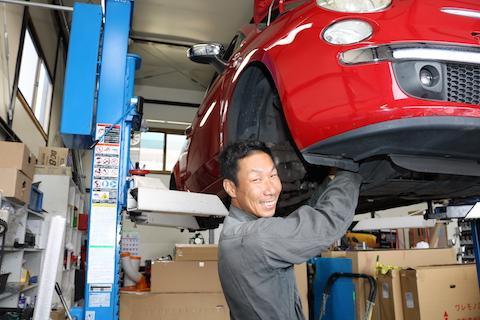 ブレーキの警告灯は危険信号、直ぐにメンテナンスを!