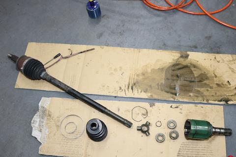 車検整備、社外品の部品を使って修理費をお得に!