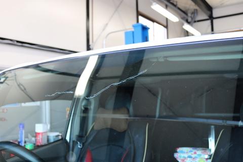 フロントガラス交換を優良ガラスで付加価値も付いてお安く!