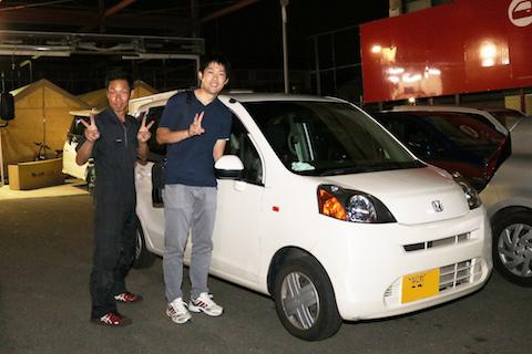 大阪でフロントガラス交換、部品調達から施工まで落ち着いてきました!