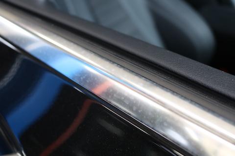 輸入車のドアメッキに雨染み・・・磨いてもまた付くから、カーラッピング!