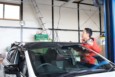 カーラッピングで愛車がカッコよく生まれ変わる新しい車のカスタム!