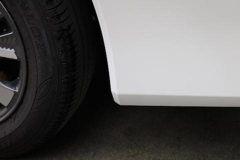 新車のお車に傷・塗装はがれ!綺麗に直す修理技術をご用意しております!