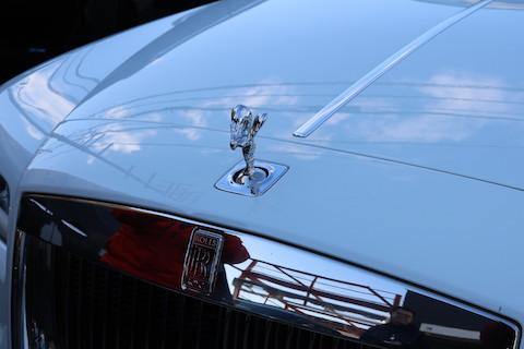 デントスマイルは、軽自動車からロールスロイスまで車修理をしております!