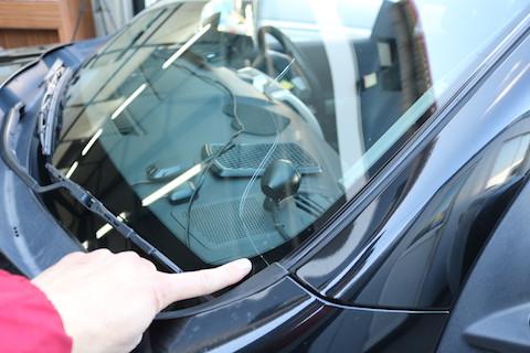 いろんな車種に対応したお得なフロントガラスで費用を一番お安く!