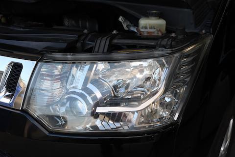 車ヘッドライトの劣化で黄ばみ・くすみが消える?古く見える車も蘇ります!v