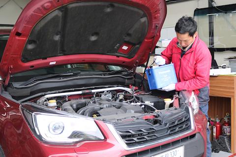 車のバッテリー交換、保証を1年延長する裏技!!