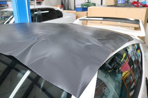 塗装ではなくカーラッピングで痛んだ屋根の補修を即日施工!