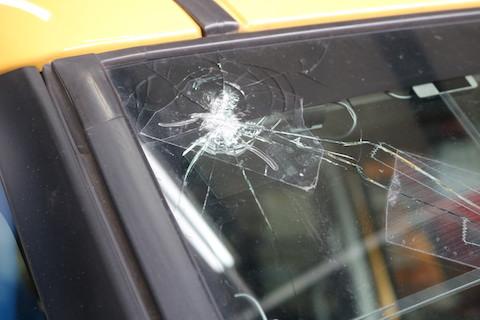 衝突防止センサー付いたフロントガラスも、お得な優良ガラスをご用意します!