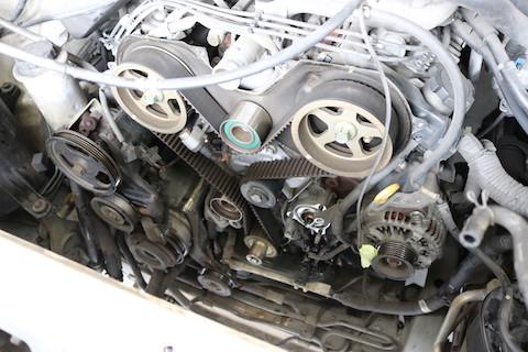 エンジンを守る、タイミングベルトを10万キロで定期的交換!