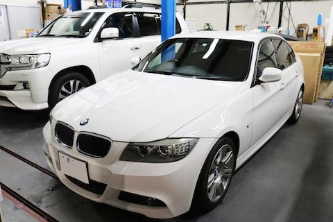 BMWのフロントガラス交換、断熱交換のガラスを純正の約半額でご用意できます!