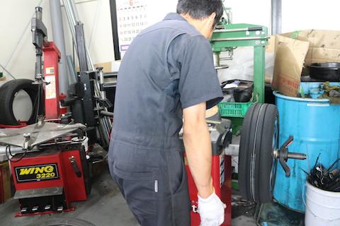 タイヤ交換とは?タイヤの交換時期からタイヤバランス調整などを解説!