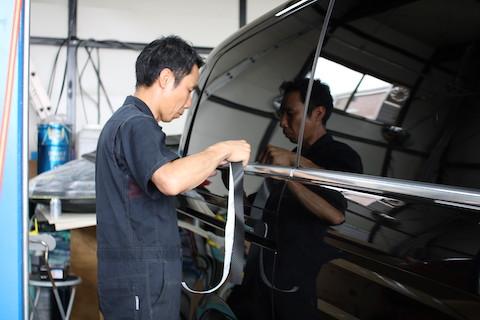車のボディケアのスペシャリスト達が匠の技で見違える仕上がりにします!