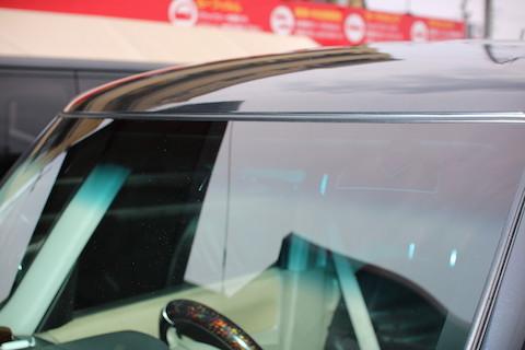 フロントガラス交換するなら、品質同等で1/3安くなる社外品!